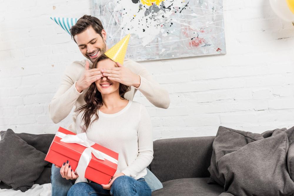 Read more about the article 5 idéer til en sød fødselsdagshilsen til kæresten